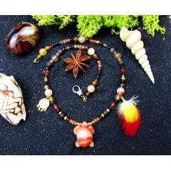 """Collier ethnique perles avec tortue en cornaline et plumes """"Exotic turtle"""""""