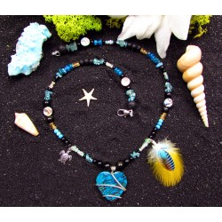 "Ethnic pearl necklace with chrysocolle and feathers ""At the heart of the journey"""