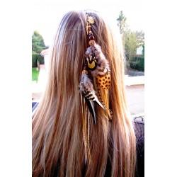 Bijou de cheveux plumes...