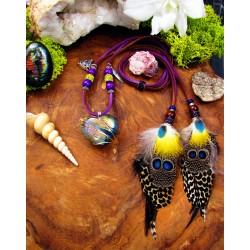 Collier ethnique plumes, coeur en labradorite violette et panthère