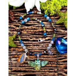 """Collier ethnique hibou en labradorite et plumes """"Magic blue owl"""""""