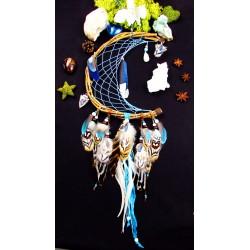 Attrape rêves lune artisanal avec plumes naturelles de geai et labradorite blanche