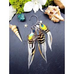Ear cuff plumes naturelles de perroquet et paon