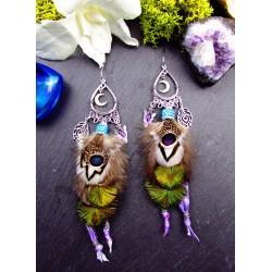 Boucles d'oreilles ethniques plumes de paon et améthyste