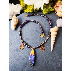 Collier ethnique avec labradorite violette et améthyste