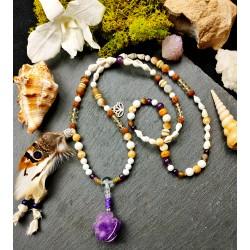 Mala 108 perles chamanique avec améthyste et plumes naturelles