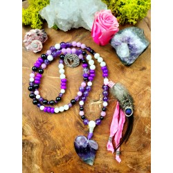 "Mala 108 shamanic beads with amethyst heart and natural feathers ""Love Secret"""