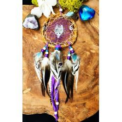 Petit attrape rêves artisanal en bois et plumes naturelles totem loup et quartz