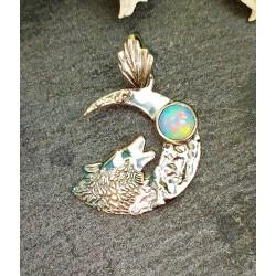 Pendentif loup et opale d'Ethiopie en argent