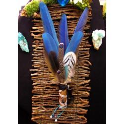 Eventail plumes à fumigation plumes perroquet et iolite