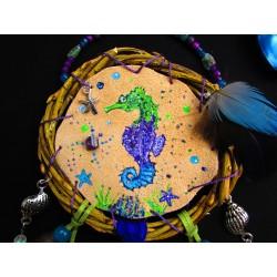 "Mandella totem hippocampe et scapolite violette ""Magic ocean"""
