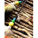 Bijou de cheveux plumes naturelles coq, perroquet et pierre du soleil