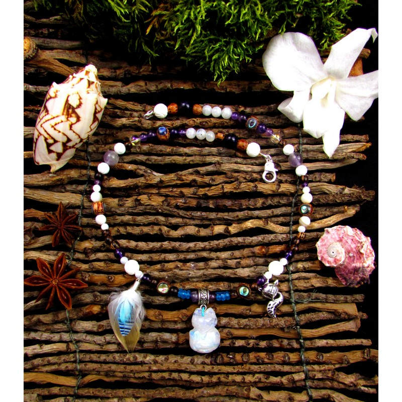 """Collier ethnique plumes totem renard polaire pierre de lune """"Magic moon"""""""