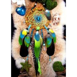 """Attrape rêves artisanal plumes, apatite et totem perroquet """"Lîle aux oiseaux"""""""