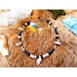"""Bracelet de cheville ethnique plumes et dent de requin """"Sur une plage ensoleillée"""""""